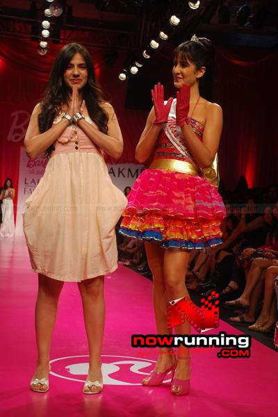 Katrina Kaif Barbie doll Ramp Walk at 2009 Lakme Fashion Week - صفحة 2 DSC_0158