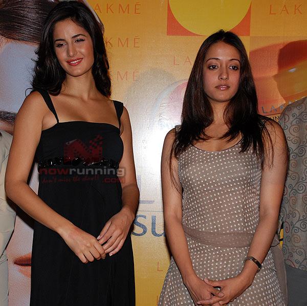 Katrina Kaif launches Lakme Sun Expert collection LFW%20-%20Katrina%20Kaif%20(4)