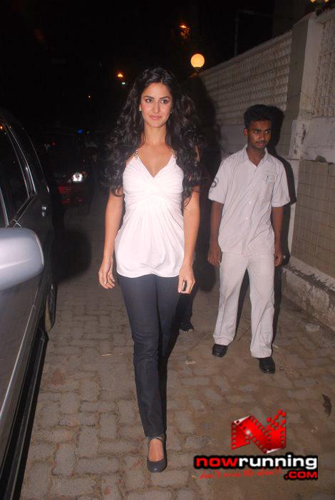 Katrina unveils Filmfare issue DSC_0205