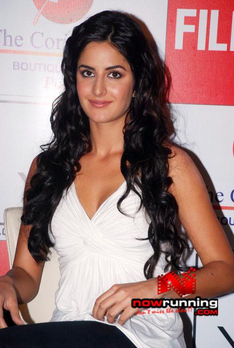 Katrina unveils Filmfare issue DSC_0228