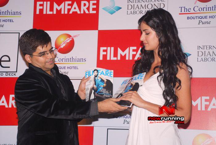 Katrina unveils Filmfare issue DSC_0241