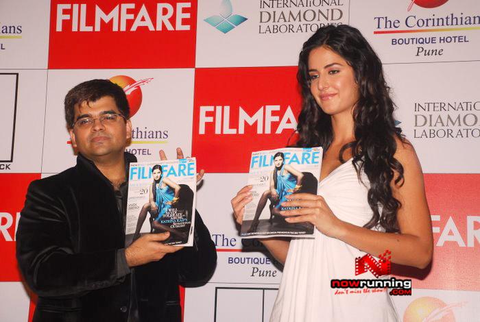Katrina unveils Filmfare issue DSC_0242