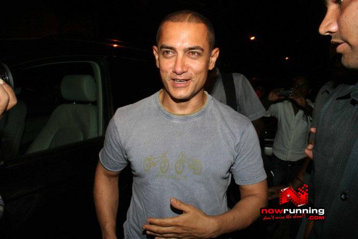 Salman Celebrates Kats B day 2008 IMG_6952