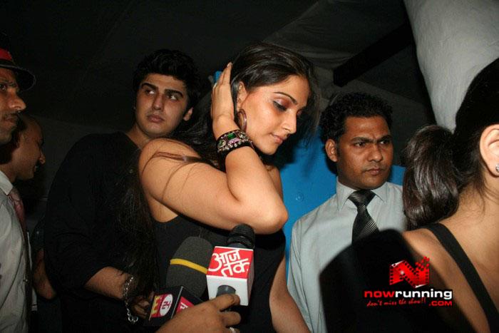 Salman Celebrates Kats B day 2008 IMG_6991