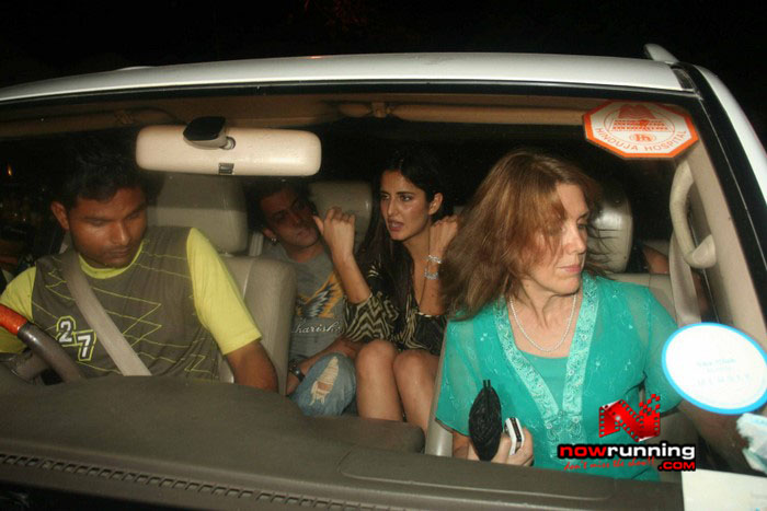 Salman Celebrates Kats B day 2008 IMG_7120