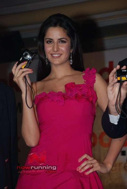 Katrina unveils Stylish M-Series Digicams Katrina%20Kaif%204