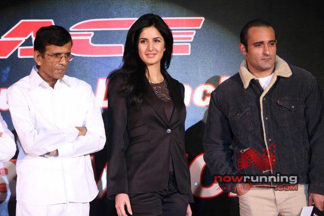 Akshaye and Katrina at Race-Indiatimes tie-up Race%2031