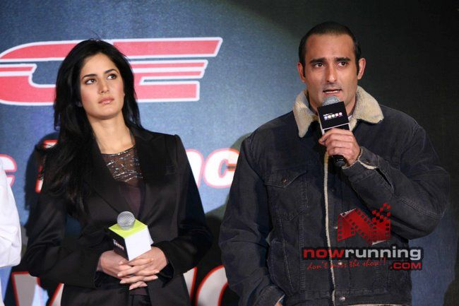 Akshaye and Katrina at Race-Indiatimes tie-up Race%2032