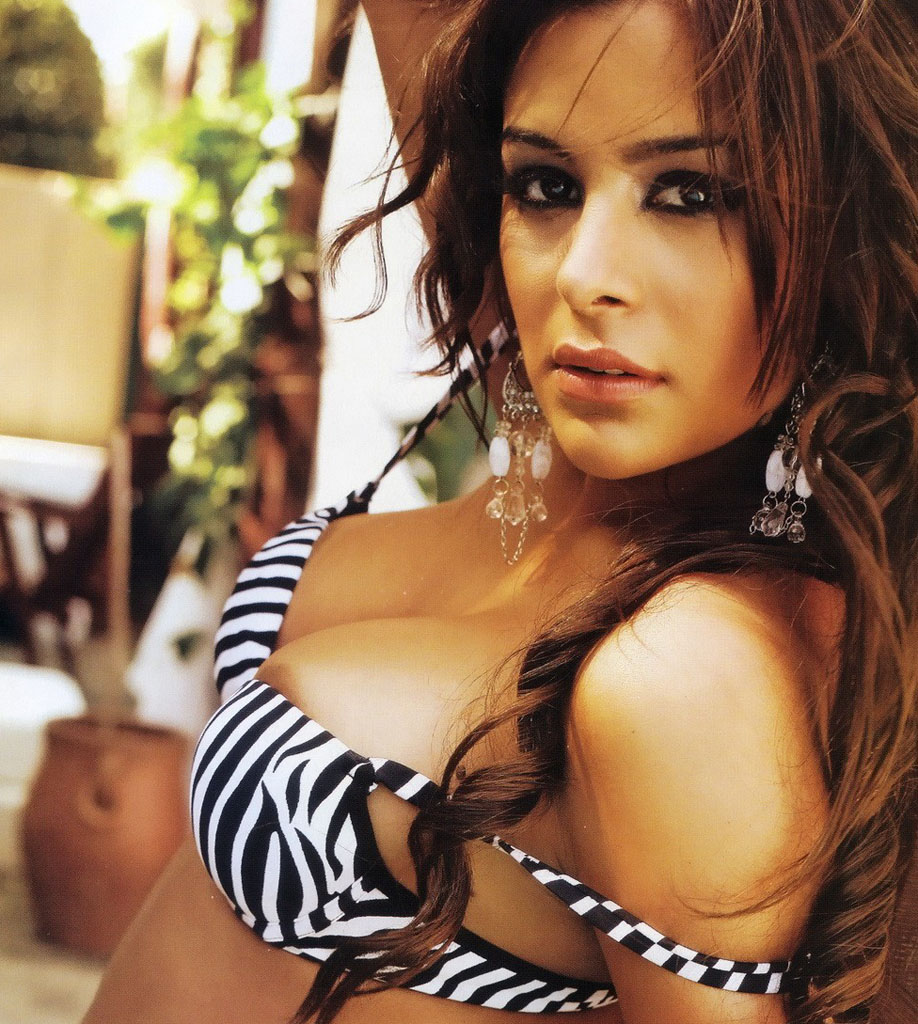 The World Cup 2010 Babes Thread - Page 4 Larissa-Riquelme_topless-02