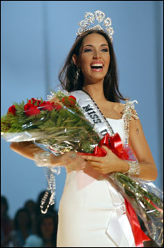 your favorite miss universe this decade from 2000 to 2008? Amelia-crowning-large