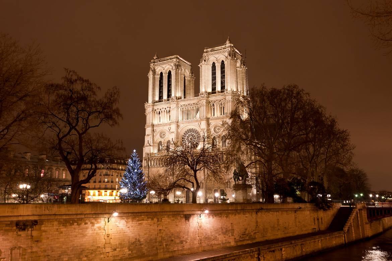 Notre Seigneur de Paris 2014-gu%C3%ADa-Navidad-par%C3%ADs-notre-dame-Navidad-catedral-%C3%A1rbol
