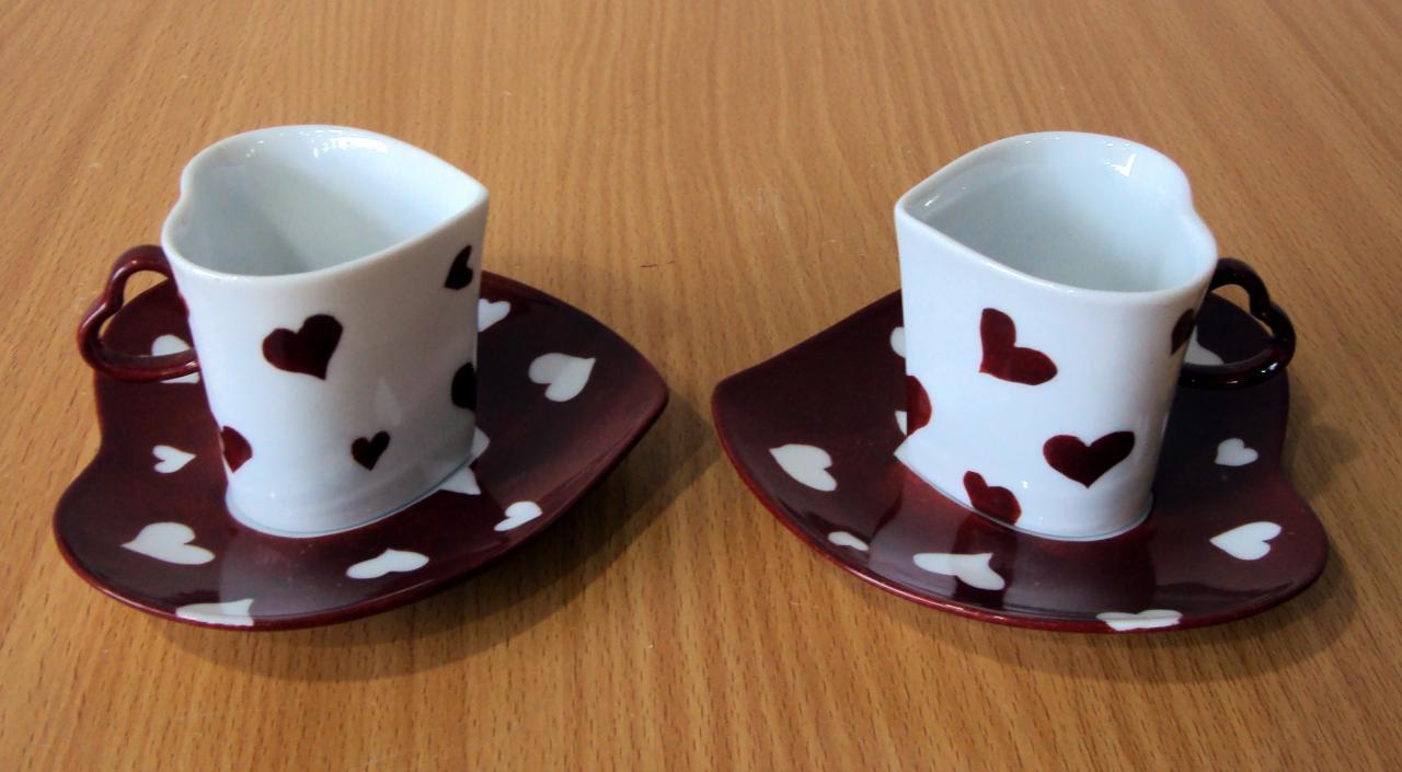 Zaljubljene šoljice za kafu,čaj.. - Page 4 Tasses-coeurs-rouges-2