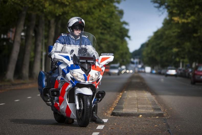 Yamaha version Police et Armée YAM_FJR1300AP_NL_KMAR_STA_001-790x527