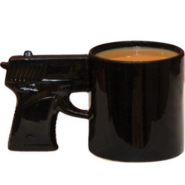 TASSES DE CAFE - Page 21 Mug%20Pistolet