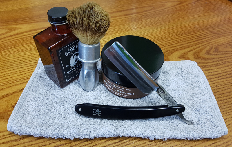 Shave of the Day / Rasage du jour - Page 24 Henckels_14