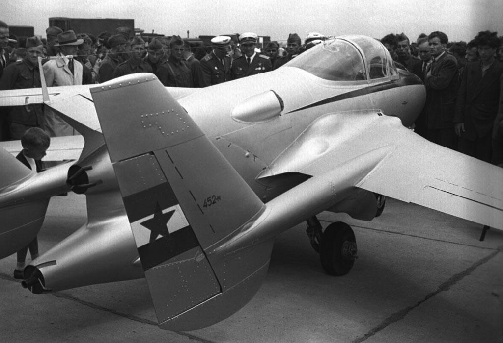 Ikarus ik-452M Drugi mlazni avion naše proizvodnje Image219%20ok%20Nikola%20Pavicevic