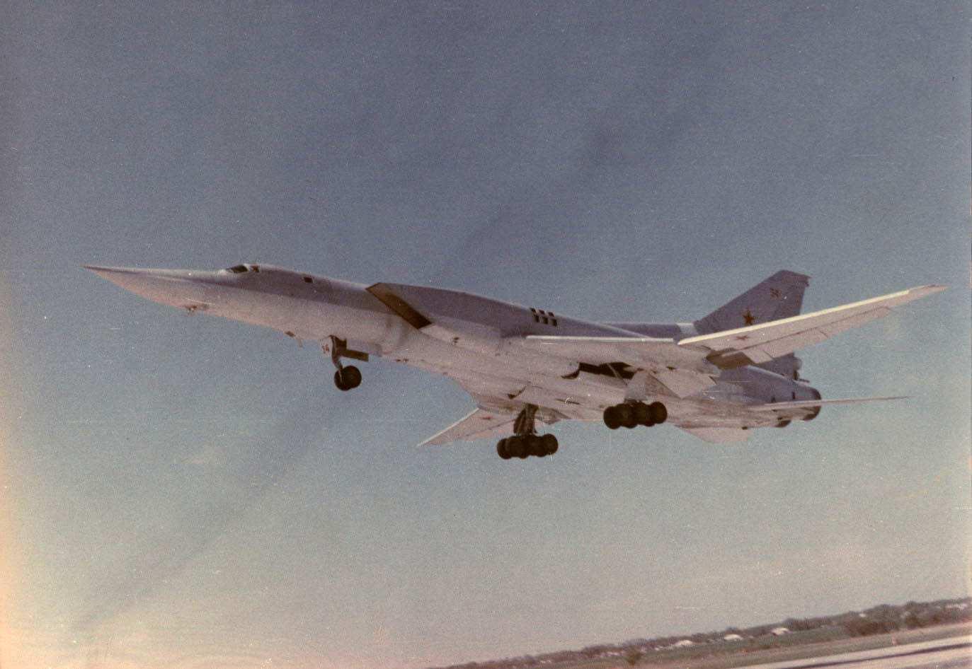 القاذفة الروسية الثقيلة TU-22 ملخص شامل عنها - صفحة 4 Tu-22m3_1_