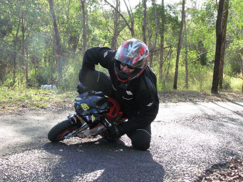 Hobby Nikung2 (knee down)...more pic page 1 Cornering