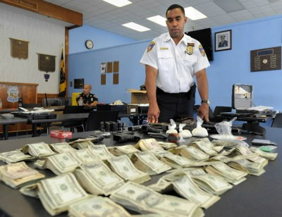 Police Seize $63,530 From Veteran Because He Kept It In Grocery Bags Civil-forfeiture-ivnDOTus-400x308