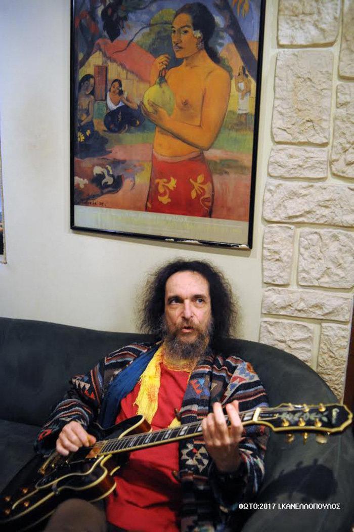 Γιάννης Δρόλαπας - Δεν «πρόδωσε» ποτέ την ροκ για τα φράγκα Drolap7