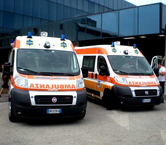 Esamir National News Network  - Page 2 Ambulanze1