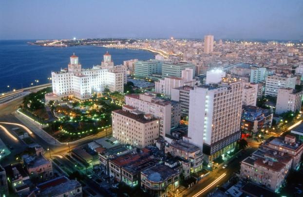 كوبا.. جمهورية الجمال ... ع . ت . م . اوروبا ... Cuba-la-havane-nuit-resize