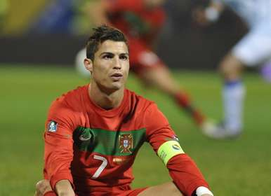 Un poco de deportes Cristiano-Ronaldo-pudieron-Bosnia_OLEIMA20111111_0115_3
