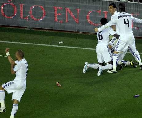 صور نهائي كاس اسبانيا Madrid-festeja-Copa-Rey-anos_OLEIMA20110420_0131_22