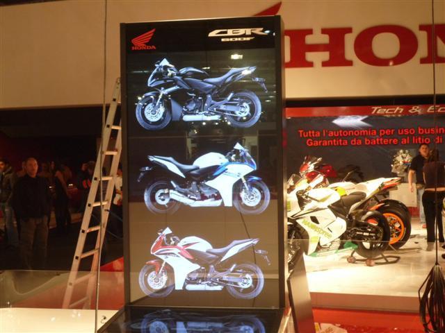 Honda CBR 600 F 2011 2011-Honda_CBR600F_6