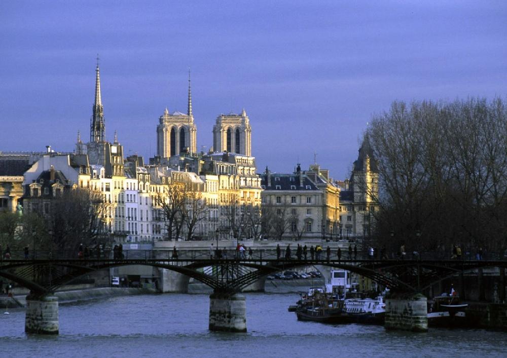 تعرف على باريس  paris معلومات وصور 1260.imgcache