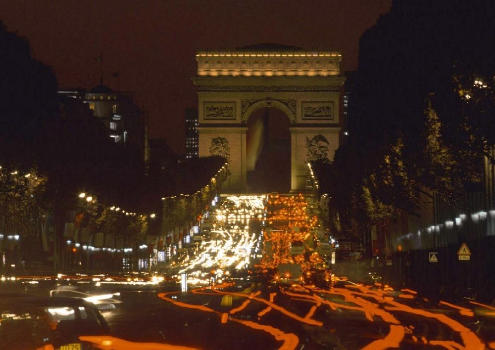 تعرف على باريس  paris معلومات وصور 1269.imgcache