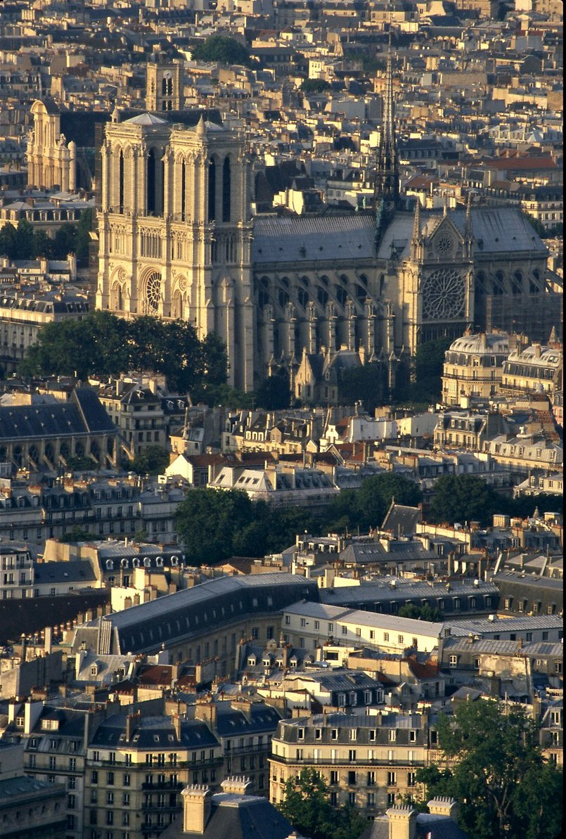 تعرف على باريس  paris معلومات وصور 1270.imgcache
