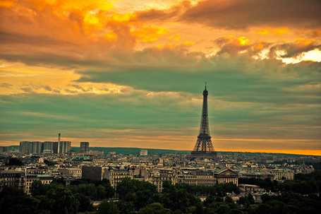 ------* SIEMPRE NOS QUEDARA PARIS *------ - Página 3 Paris-sunset_010810