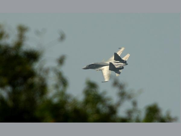 Armée Indienne / Indian Armed Forces 16-1426508807-sukhoi-3