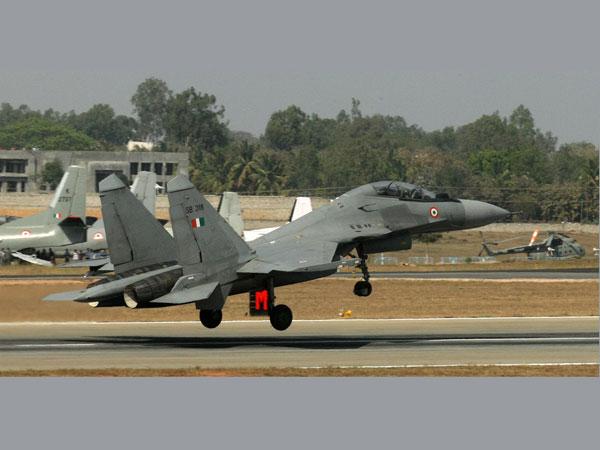 Armée Indienne / Indian Armed Forces 16-1426508822-sukhoi-1