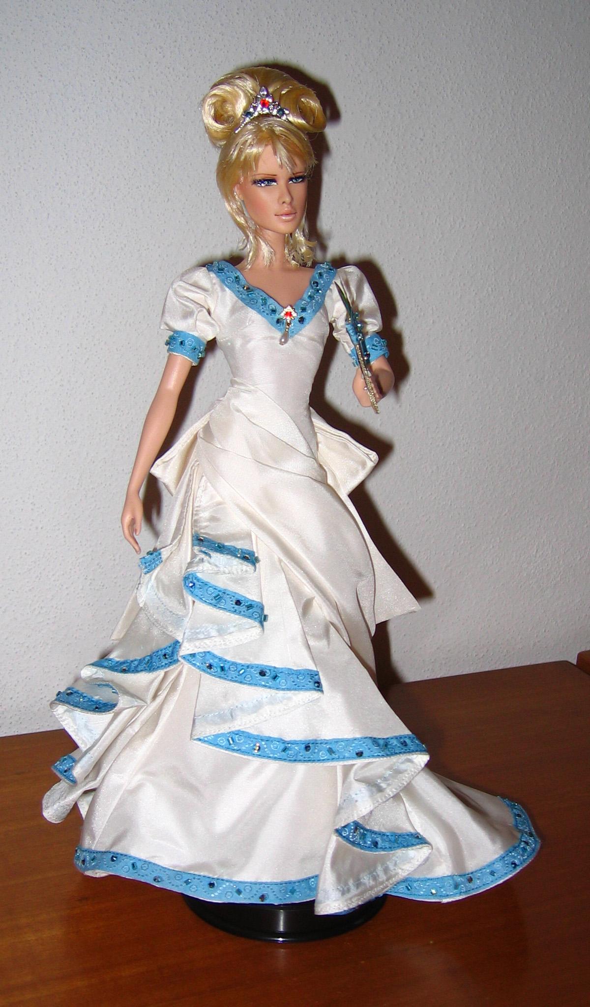 Petite revue des poupées Lady Oscar Foto645