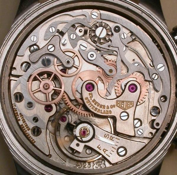 Un chrono CALVY Valjoux23Ref404