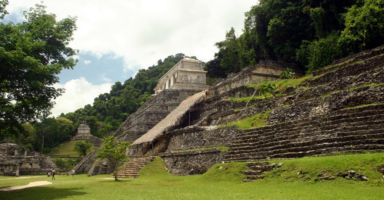 Urme ale extraterestrilor pe Pamant; Descoperiri inexplicabile (in cache) - Pagina 2 Palenque2004ok