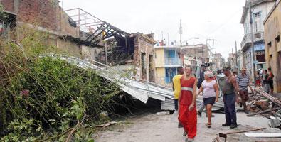 """[Malas noticias] El huracán """"Sandy"""" dejó 11 muertos en su paso por Cuba Danos-por-huracan-sandy"""