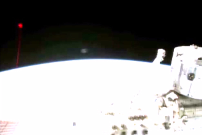 Did ISS cam capture video of a UFO shooting a laser at Earth? Iss_laser_ufo
