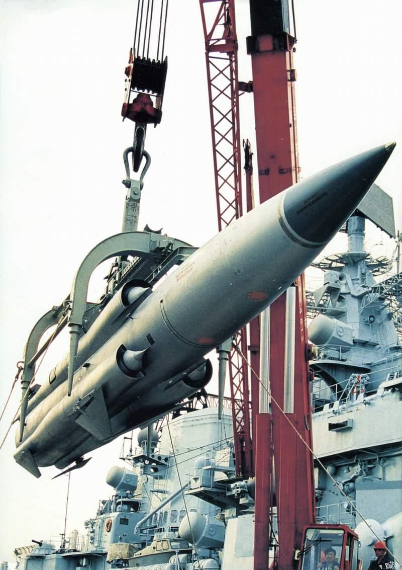 """مصر تسلمت عدداً من صواريخ Moskit للعمل علي لنش الصواريخ """" أحمد فاضل """" 14109826489"""