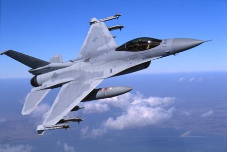 المستقبل المنظور للقوات الجوية  الجزيرة العربية F16-20120218