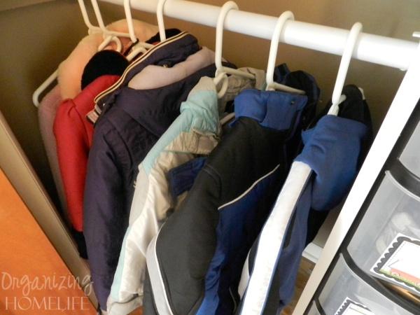 как организовать быт или 11 непарных перчаток Kids-coats