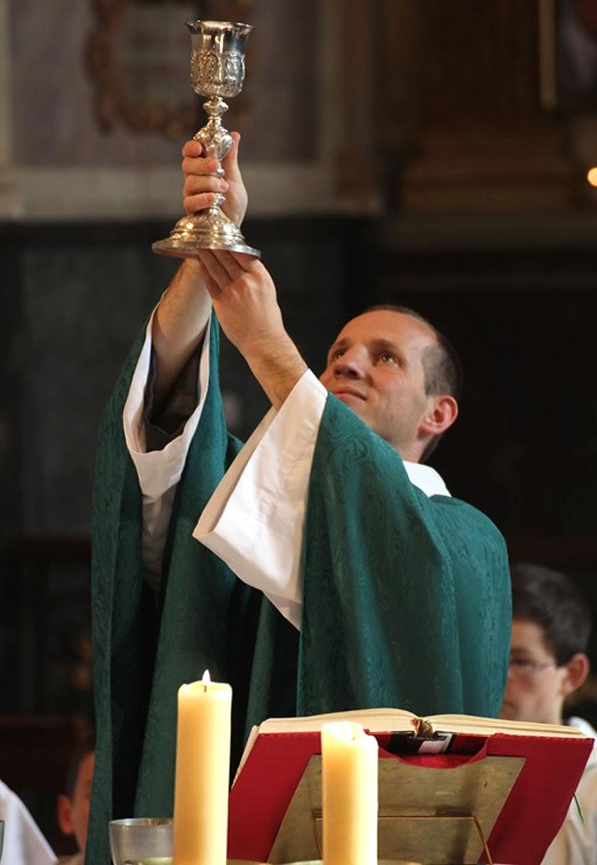 Savez-vous que le diable va à l'église tous les dimanches ? Eucharistie
