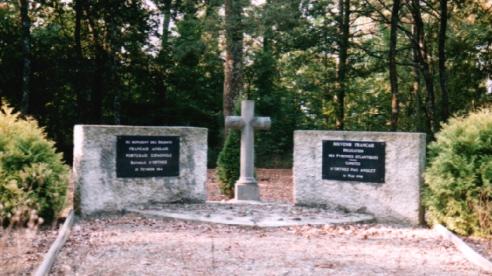 Bataille d'ORTHEZ (Pyrénées-Atlantiques), 27 février... Cimetiere-1