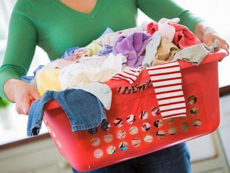 ماذا تفعلين حين تحلّ ألوان الملابس على بعضها بعض؟؟ %D8%BA%D8%B3%D9%8A%D9%84