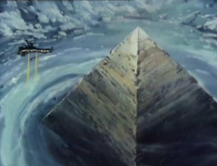 Pyramides de verre dans les bermudes 8606