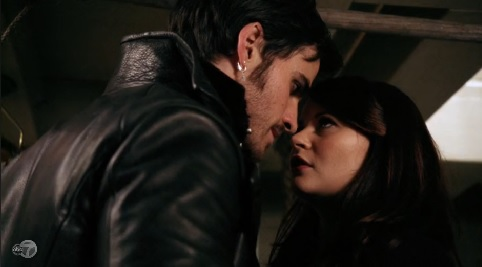 Captain SwanFire : Triangle - Page 8 2.11-Hook-and-Belle-on-pirate-ship-482x267