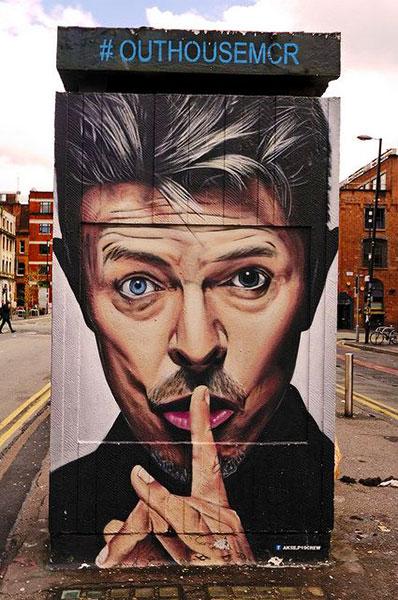 des streets arters ? et une question ? Bowie-by-Akse-Manchester-UK