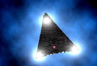 Un contrôleur aérien brise le silence à propos d'un Ovni d'un Mile de long Black_triangle